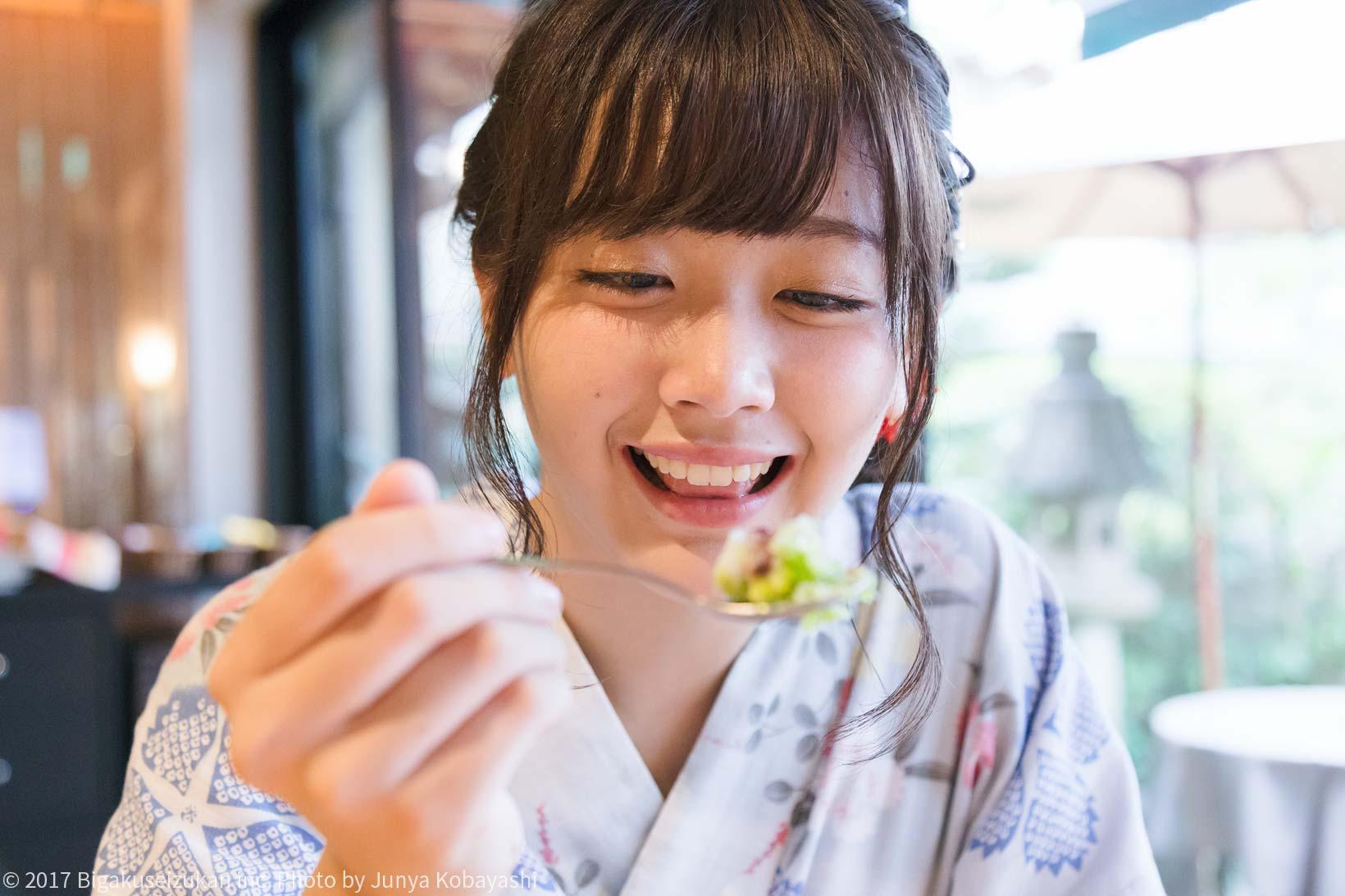 真鍋咲紀かき氷食べる