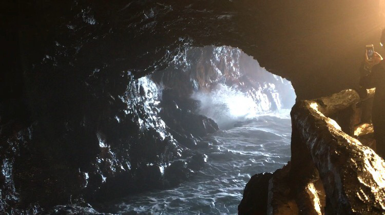 和歌山県三段壁洞窟