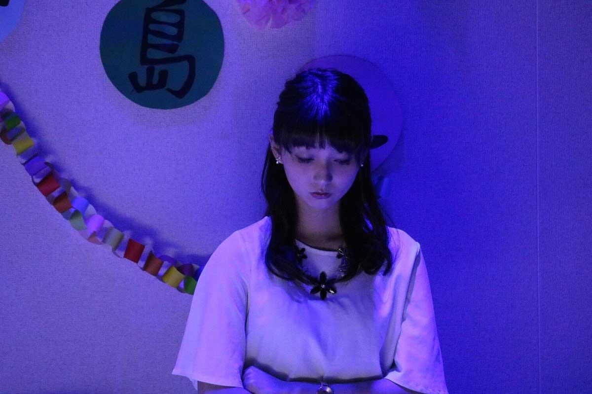 舞台上の内田綾乃