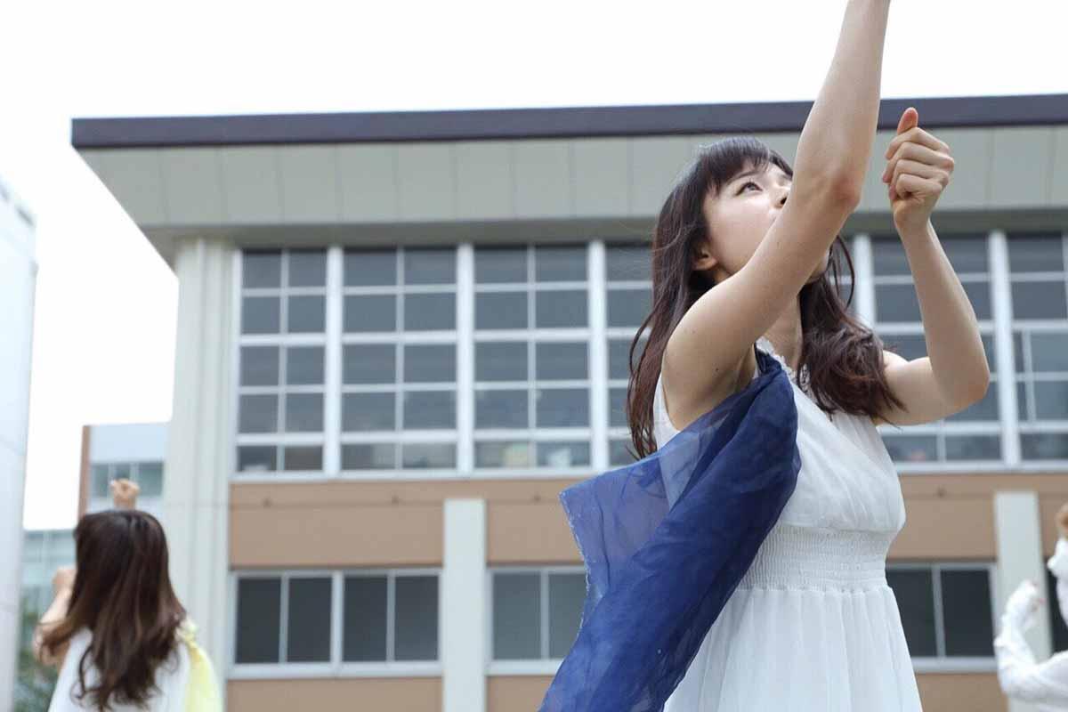 ダンス中の松浦稀