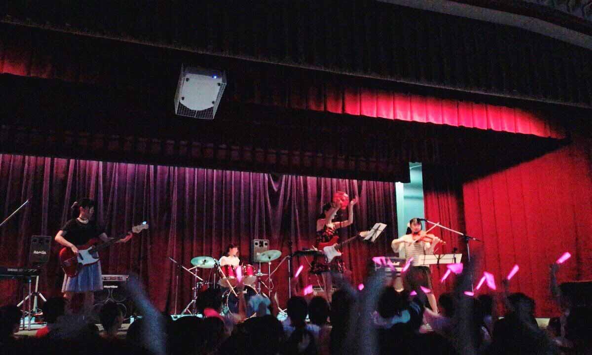 吉村恵里子高校文化祭ステージ