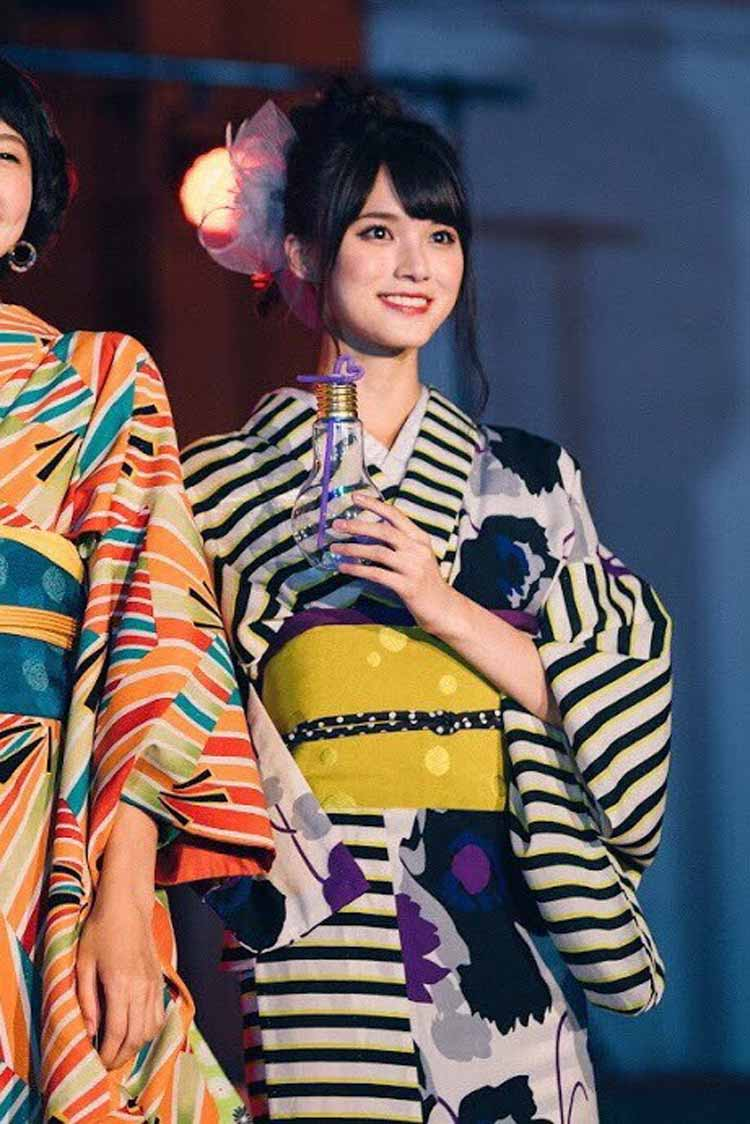 着物ファッションショーの米田紗英