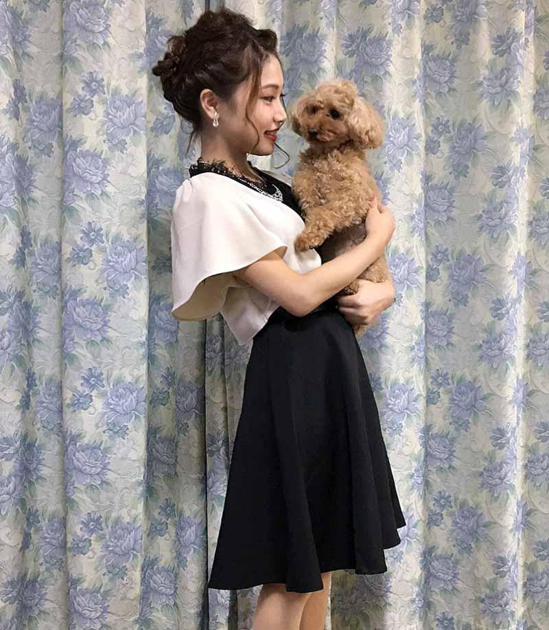 井上純菜と愛犬くぅ